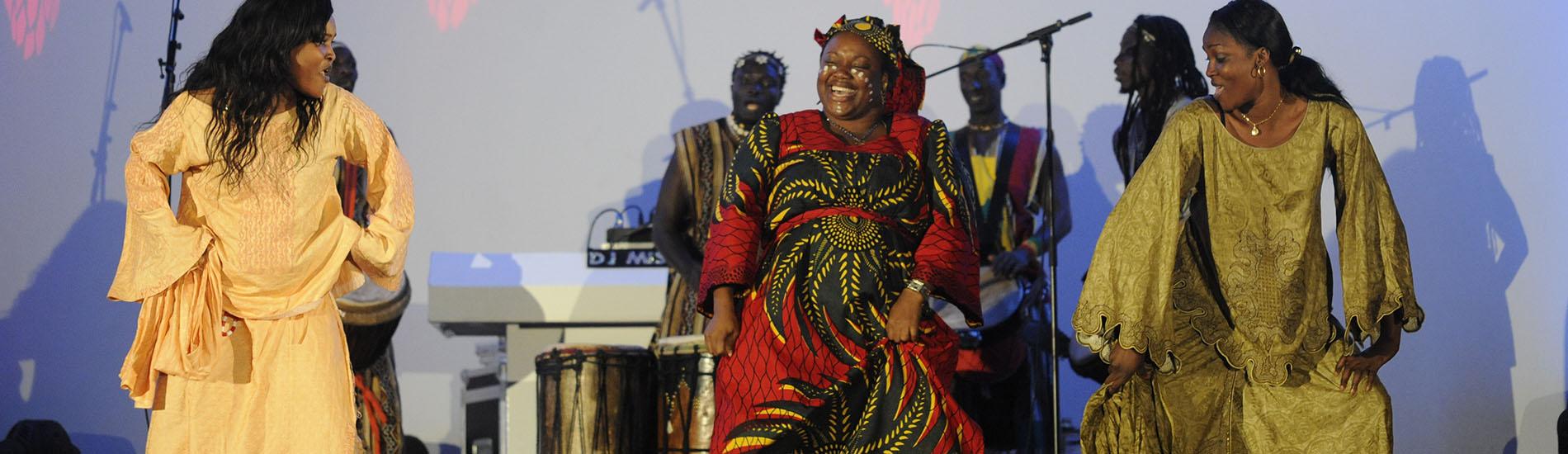 Afrikaanse percussiegroep Sene Percu HEADER 1